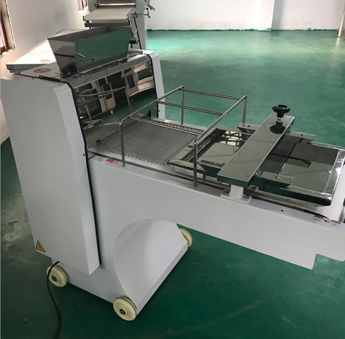 Electric Food Processing Equipments , Toast Bread Bakery Dough Rotary Moulder Shaping Machine