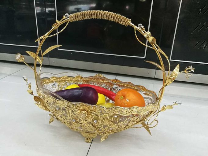High Grade Buffet Room Service Equipments Crystal Glass Fruit Basket with Zinc Alloy Electroplating Process for