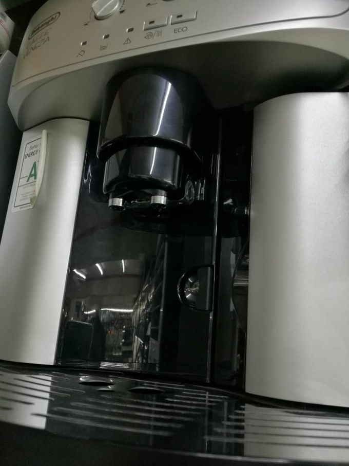 DeLonghi Commercial Coffee Machine Automatic Espresso / Cappuccino Maker Snack Bar Equipment